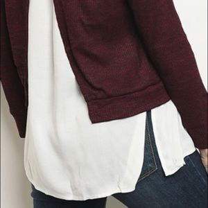 Sweaters - ✨NEW✨Burgundy White Split Back Cardigan Sweater